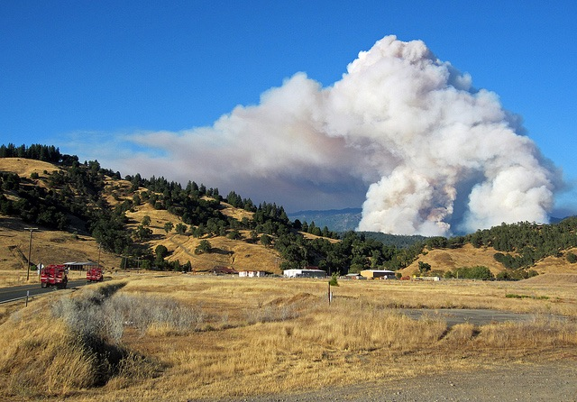 Pyrocumulus cloud, fire trucks and the North Pass Fire.